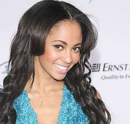 Canadian actress Vanessa Morgan to portray Toni Topaz in 'Riverdale'-Hear this actress talk about her surreal role and her career!