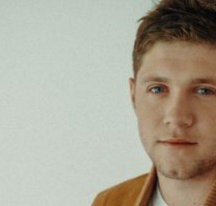 How old is Niall Horan? Bio, Wiki, Career, Net Worth, Height, Songs, Tour, Girlfriend