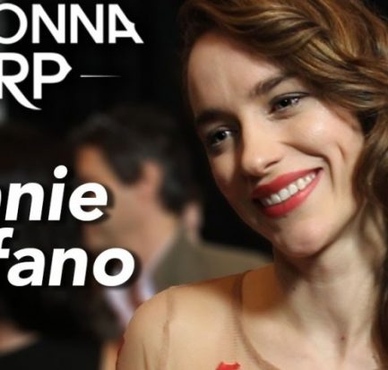 How did Melanie Scrofano work till full-term of her pregnancy? Learn about her passion for Acting, her Career, her Pregnancy, Marriage, and Life with Jeff!