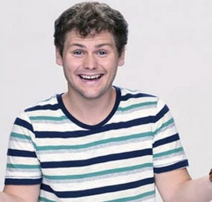 Drew Lynch ( Stand-up Comedian) Bio, Wiki, Age, Career, Net Worth, Tour, Girlfriend, Height