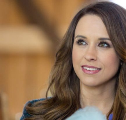 Lacey Chabert talks on possible sequel of 'Mean Girls'! Learn about her Husband, Daughter, and Career!