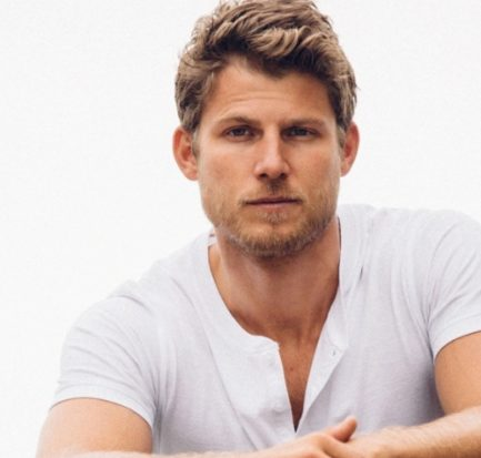 Travis Van Winkle-his latest film Christmas Getaway! Learn about his Career and Relationships!