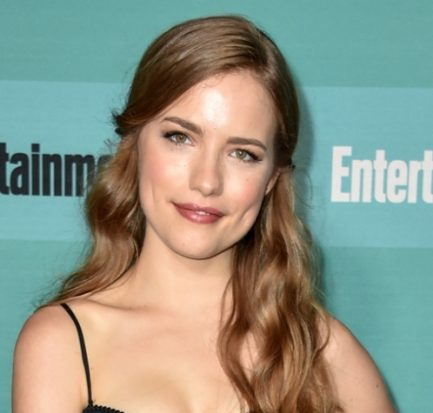 Willa Fitzgerald's life timeline! Her Childhood, Career, and relationship status unfolded!