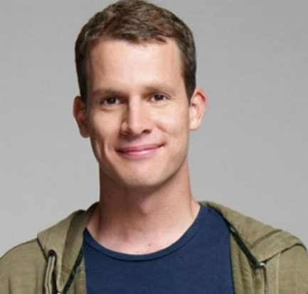 Daniel Tosh Comedy Central, Wife, Affair, Wedding, Wiki, Net worth, Twitter, more seasons of Tosh.0