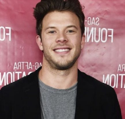 Actor, Comedian, Youtuber Jimmy Tatro Birth, Age, Family, Education, Girlfriends, Body Measurement, Net Worth, Salary