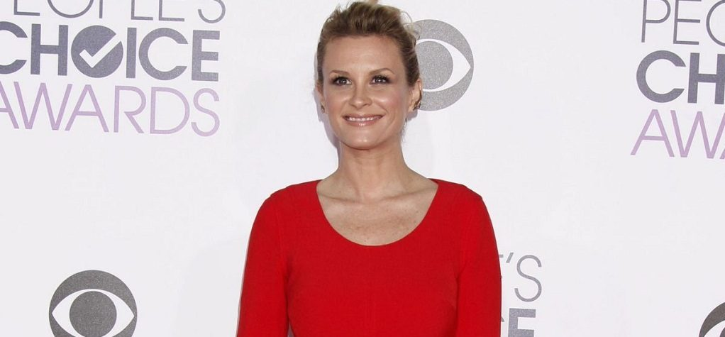 Bonnie Somerville Age Career Family Net Worth Boyfriend Body Measurements Social Media A Star Is Born