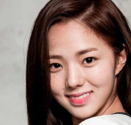Chae Soo-bin | Biography, Age, Height, Weight, Affair, Surgery, Instagram, Actress |