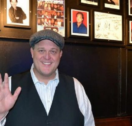 Stand-up comedian Billy Gardell' Wife, Net worth, Height, Wiki, Bio