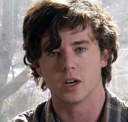 Charlie McDermott (American TV and Film Actor) Bio, Wiki, Career, Net Worth, Wife, Instagram