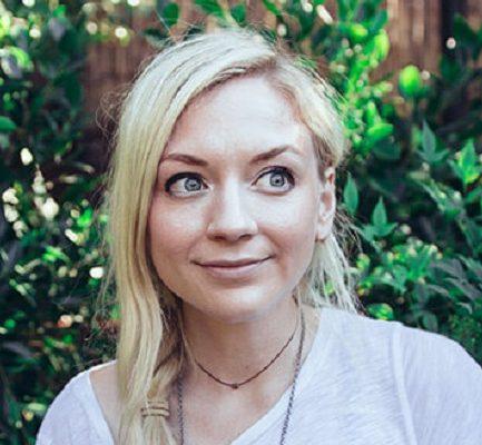 Emily Kinney Wiki, Career, Albums, Relationship, Husband, Body Measurements, Net Worth