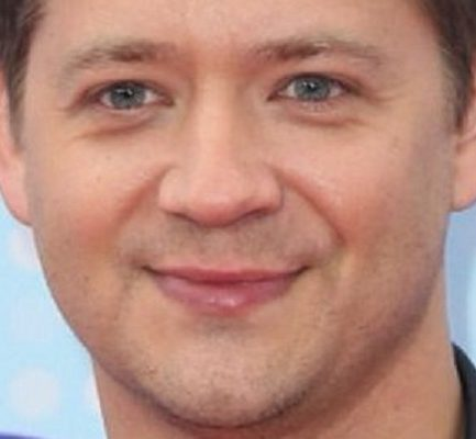 Jason Earles Age, Wiki, Career, Relationship, Instagram