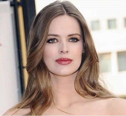 Robyn Lawley Age, Movies, Net Worth, Husband, Children, Instagram, Height