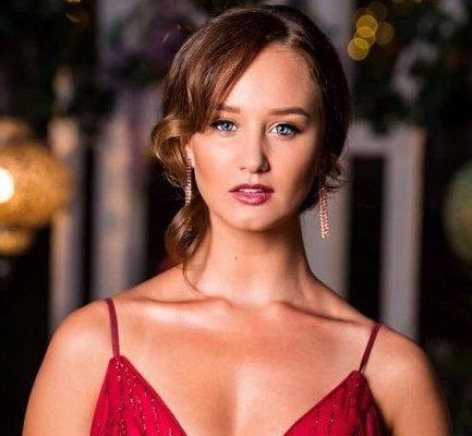 Emily Dibden Age, Wiki, Model, Net Worth, Affairs, Height, Instagram