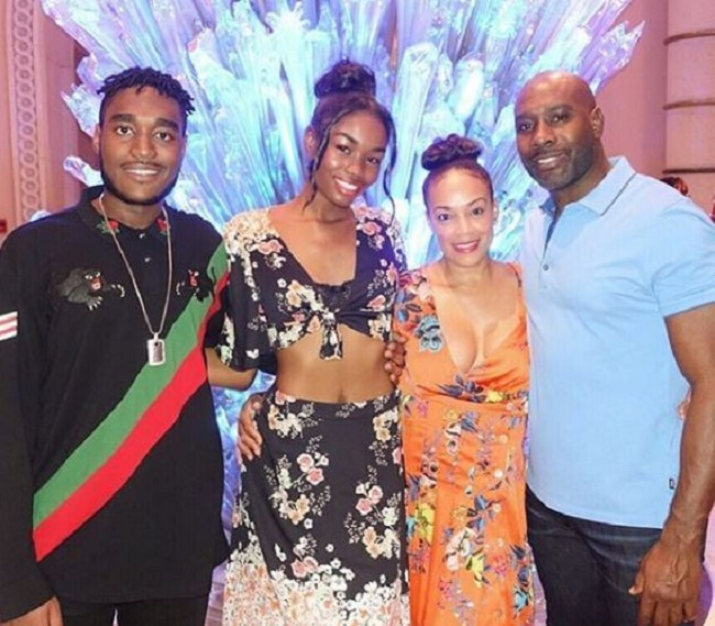 Pam-Byse-Husband-Morris-Chestnut-daughter-son