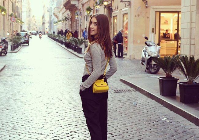 Clara-Alonso-on-holiday