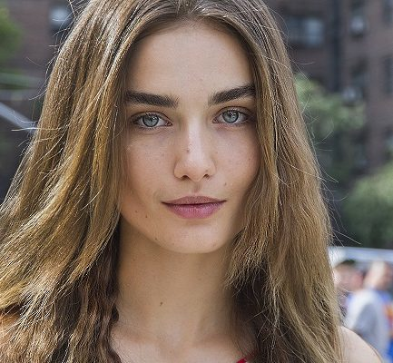Meet Romanian Fashion Model, Andreea Diaconu: Bio, Wiki, Career, Net Worth, Education, Vogue