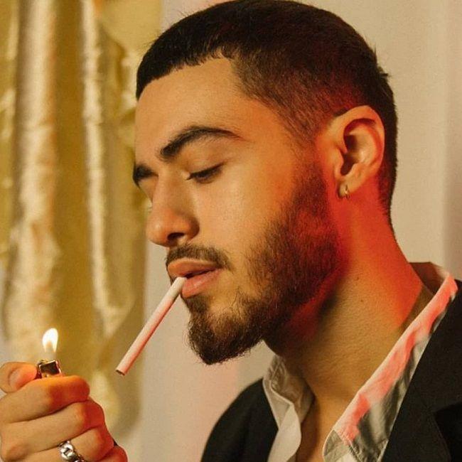 Dimitris kad smoking