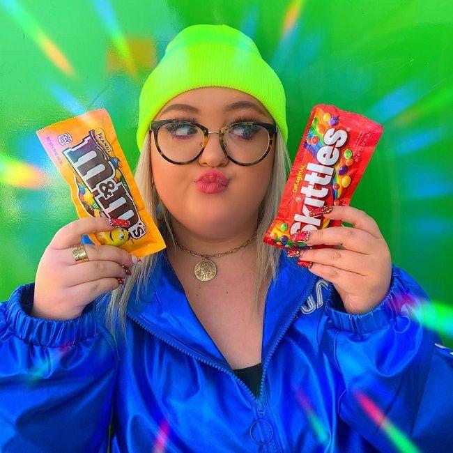 Lauren showing her favourite candies