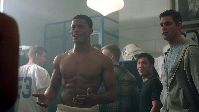 Jordan Calloway shirtless