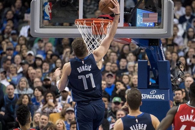 Luka dunking
