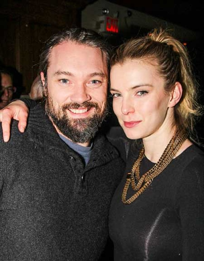 Betty Gilpin with her husband