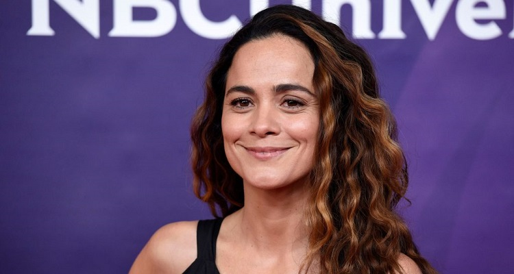 Alice Braga ( Brazilian Actress) Bio, Wiki, Age, Career, Net Worth, Height, Movies, Instagram