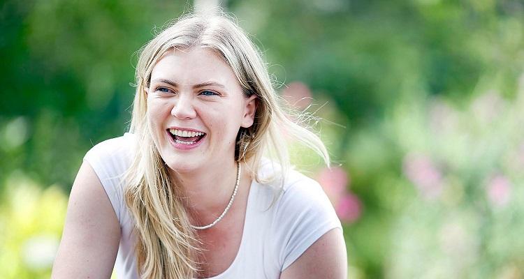 How old is Ella Craig? Bio, Wiki, Career, Net Worth, Boyfriend, Pictures, Height, Movies