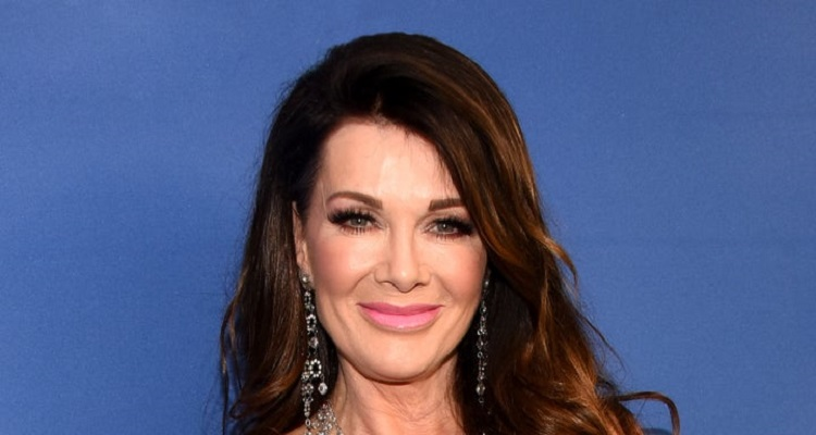 Lisa Vanderpump Bio, Age, Net Worth, Nationality, Brother, Husband, Height, Twitter, Book, Movies