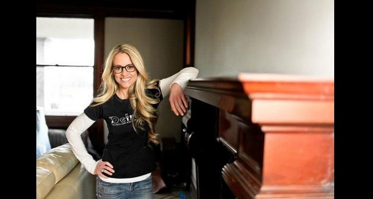 Nicole Curtis ( TV Show Host) Bio, Wiki, Age, Career, Net Worth, Instagram, Height