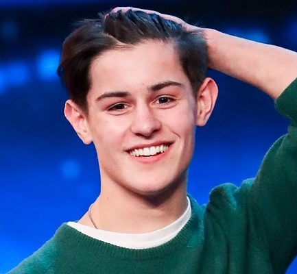 How old is Reuben Gray? Bio, Wiki, Career, Net Worth, Parents, Girlfriend