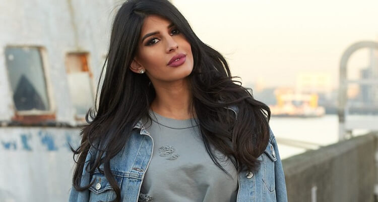 Jasmin Walia Bio, Age, Family, Nationality, Height, Net Worth, Songs, Instagram, Bom Diggy