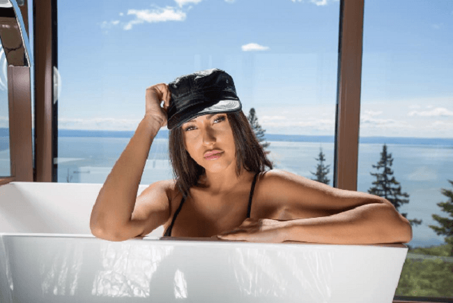 Claudia Tihan as an Instagram Influencer