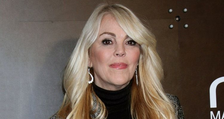 Meet an American TV personality, Dina Lohan and also know about her Bio, Wiki, Career, Parents, Net Worth