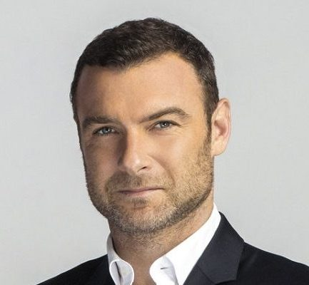 Meet an American actor, Liev Schreiber and also know about her Bio, Wiki, Career, Parents, Net Worth, Instagram