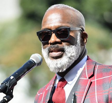 Who is BeBe Winans? Bio, Age, Wiki, Net Worth, Parents, Ethnicity, Height
