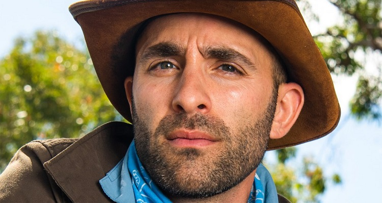 Coyote Peterson | Bio, Age, Net Worth (2020), Height, Daughter, YouTube |