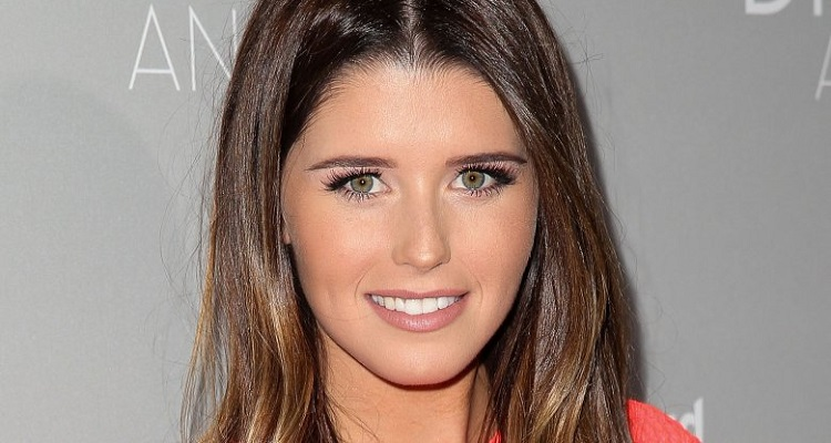 Katherine Schwarzenegger | Bio, Age, Wiki, Height, Boyfriend, Net Worth, Books |
