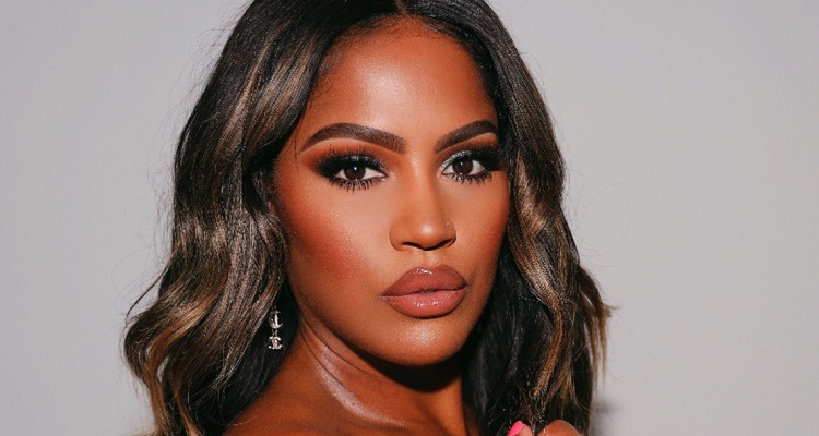 Shayla Mitchell | Bio, Age, YouTube, Tutorials, Net Worth, Affair, Height |