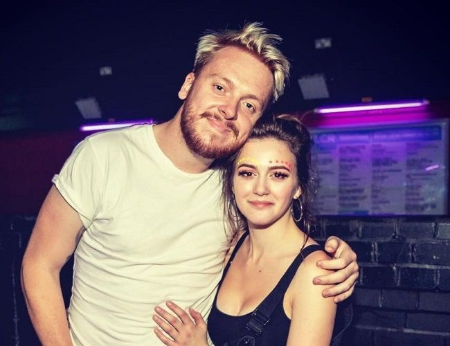 JaackMaate and his girlfriend