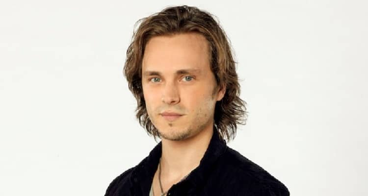 Jonathan Jackson | Bio, Age, Net Worth, Actor, Musician, Author, Affair, Height, Nationality |