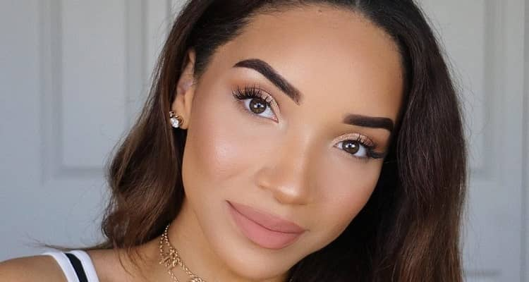 Raven Elyse  | Bio, Age, Net Worth, YouTuber, Affair, Single Mother, Height, Nationality |