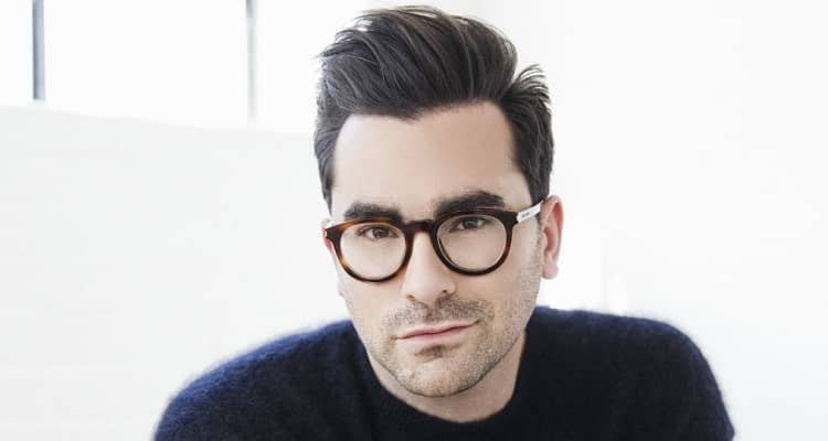 Daniel Levy Biography | Age, Net Worth (2021), Actor, Writer, Producer, Family, Gay, Children, Nationality |