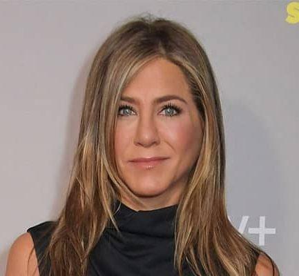 Jennifer Aniston Biography   Age, Net Worth (2021), Actress, Producer, Family, Affairs, Nationality  