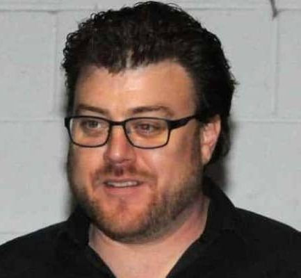 Robb Wells Biography | Age, Net Worth (2021), Actor, Screenwriter, Family, Nationality |