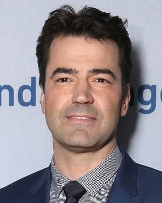 Ron Livingston Biography   Age, Net Worth (2021), Actor, Family, Wife, Nationality  