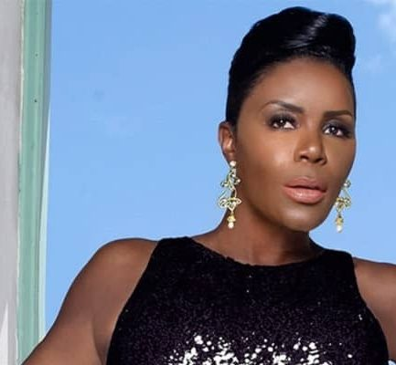 Sommore Biography | Age, Net Worth (2021), Comedian, Actress, Family, Nationality |